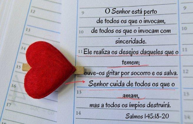 Salmos 145:18-20 - O Senhor está perto daqueles que o invocam, o temem e o amam