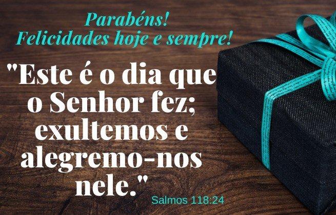 Parabéns, felicidades hoje e sempre - Salmos 118:24 - imagem de um presente com fita azul
